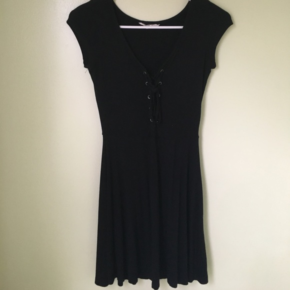 American Eagle Outfitters Dresses & Skirts - American Eagle black soft & sexy dress.